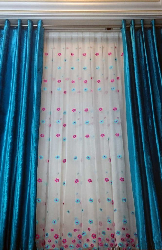 پرده اتاق خواب آبی ، صورتی